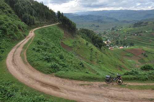 Road to Bwindi NP