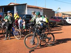 Morada da Serra 09jul06 Katia Maia (53) (Rebas do Cerrado) Tags: mountain cicloturismo bike braslia bicicleta mtb cerrado serra pedal trilha morada pedalar rebas rebasdocerrado