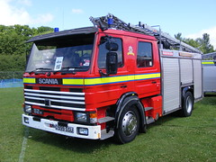 Fire Service: Scania 82 Water Tender Ladder D999SSU Preston Park 2011 (emdjt42) Tags: park preston stockton scania tees strathclydefirebrigade d999ssu fireenginerally