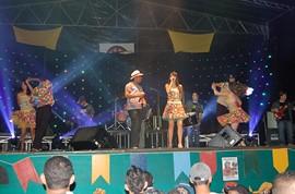 Atracoes Musicais Domingo 26 - Sao Pedro 2011 - Itapetim PE - CAPA by portaljp