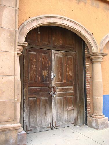 arch (doorway)