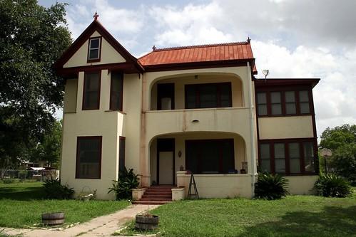 emil leonardt house