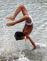 Splash! (edpcv) Tags: boy beach asia child philippines dumaguete filipino visayas 2011