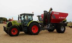 Claas 630 Arion + Perard X - Flow 15 (Philippe-03) Tags: agriculture tracteur tractors finale régionale lindner labour boucé 03 claas perard