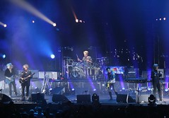 (spotboslow) Tags: thecure bostonuniversity boston massachusetts cure robertsmith simongallup jasoncooper reevesgabrels rogerodonnell agganisarena