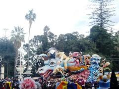 CIMG4973 (i_Bluesky) Tags: show carnival flowers ct il di sicily fiori carnevale bel carta catania sicilia carri aci maschera acireale manifestazione pesta pi allegorici grottesco infiorati ibluesky acese