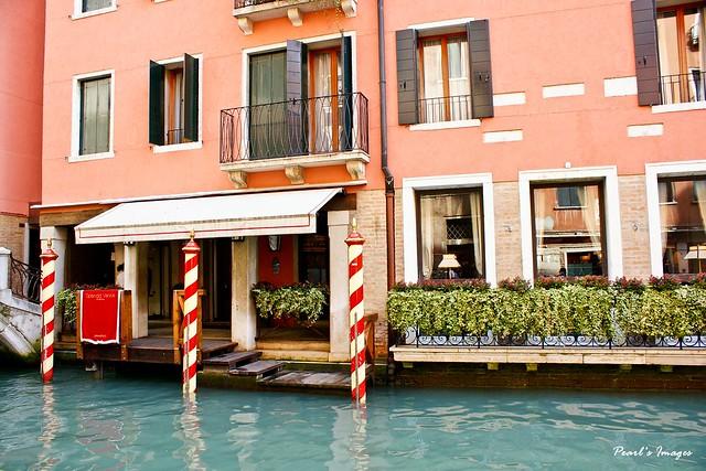 水邊的餐廳