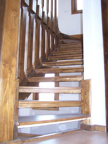 Eleve escaleras y barandas escaleras de interiores 2016 - Disenos de escaleras de madera para interiores ...