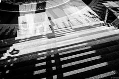 Jeu d'ombres à la Défense (Tchiseng) Tags: lumière ladéfense ombres escaliers lumire ladžfense