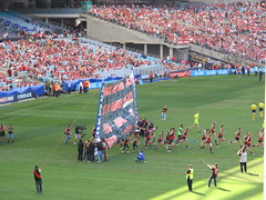 Hirds first game in Sydney as coach (Gavin Anderson) Tags: sydney essendon 3411 anzstadium closematch footyweekend