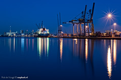 Heijplaat / Waalhaven / Rotterdam (zzapback) Tags: longexposure blue haven holland netherlands dutch night port docks photography boot 50mm boat rotterdam nikon blauw ship fotografie nacht crane ships kade cranes f16 le maritime enjoy hour bluehour nikkor avond kranen kraan zuidholland 2014 schip waalhaven uur maritiem heijplaat overslag wereldhaven d700 droogdokweg zzapback robdevoogd
