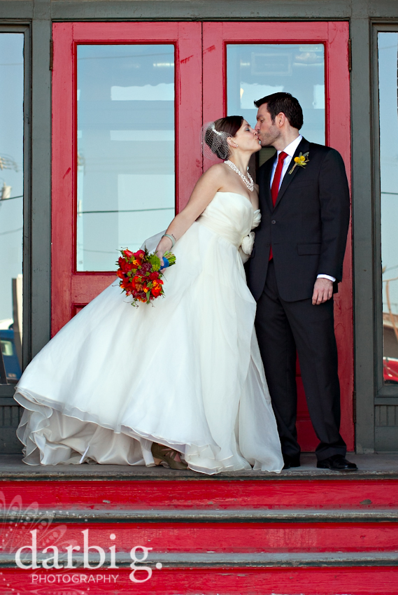 Darbi G Photography-Kansas city wedding photographer-hobbs building-DarbiGPhotography-041611-CaitJeff-w-2-211