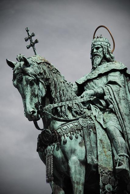 Statue of St István