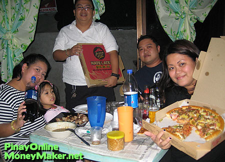 Pizza Party courtesy of the Php 1,500 gift certificates I won - PinayOnlineMoneyMaker.net