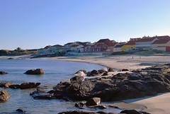 Casas (gracemlau) Tags: blue houses santiago sea espaa beach water de landscape coast town casa seaside spain sand scenery san row espana pedro galicia castro compostela casas spedro baroa castrodebaroa