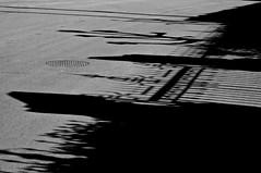 casa de indianos (eMecHe) Tags: blancoynegro nikon d70 negro sombra bn contraste urbana fotografia sombras siluetas luarca signos 2011 fragmentos emeche vivosnegro