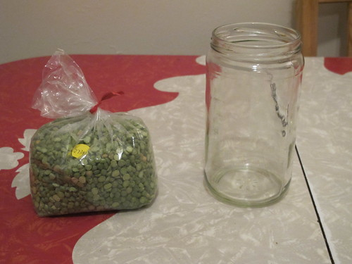 split peas into a jar