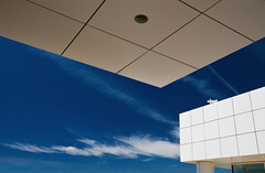 The House is Whiter on the Other Side (Eric Austria) Tags: blue white losangeles squares geometry structure blueskies angular jpaulgettymuseum thegettycenter nikond300 richardmeierarchitecture ericaustria buildingsmodernbuildingmoderne