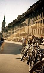 (nicolasheinzelmann) Tags: licht dof lensflare bern konicaautoreflextc fahrrder velos konicahexanonar50mmf17 epsonperfectionv700photo kodakektar100 img125 april2011