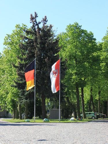 Flagge(n) zeigen zum 1.Mai