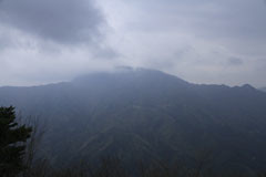 二十六夜山から見た御正体山
