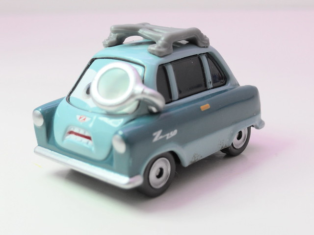 disney cars 2 proffessor Z loose (2)