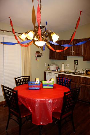 Kitchen-Table-Decor