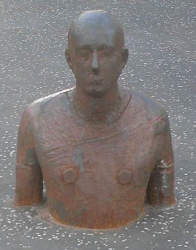 Gormley man at Scottish National Gallery of Modern Art