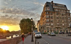 By the Seine (Randy Durrum) Tags: street bridge sunset red paris france lamp europe eu samsung s4 durrum leuropepittoresque snapseed flickrandroidapp:filter=none