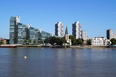 London,Imperial Warf (pavelsenkov) Tags: london battersea imperialwarf chelseaharbour riverthems londonview londonplaces visitlondon architecture water city outdoor waterfront skyline landscape