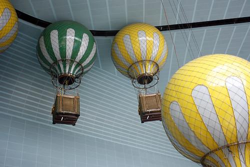 Lotte World: hot air balloons