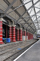 Lime Street Station (442iMAGES) Tags: station liverpool nikon transport platform railway trains pillars britishrail limestreet merseyside d90