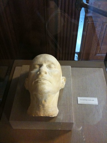 e e cummings's Death Mask