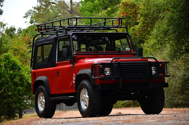 jeep 4x4 landrover 90 39 v8 classiccars carcollection landroverdefender houstontruck driversource