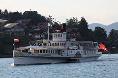 Dampfschiff DS Blemlisalp auf dem Thunersee im Kanton Bern der Schweiz (chrchr_75) Tags: lake schweiz switzerland see barco ship suisse swiss ds lac dampfer bern juli christoph 1906 escher svizzera bateau steamer berne schiff berner vapor skib thunersee berna 1107 dampfschiff berneroberland  oberland schip suissa schiffahrt dampfmaschine 2011 stoomboot vapeur kanton chrigu alus wyss  fartyg blemlisalp kantonbern passagierschiff brn schaufelraddampfer salondampfer kursschiff  chrchr hurni chrchr75 chriguhurni woche26 kursschiffahrt passagierschiffahrt ngaren dampfschiffblemlisalp albumthunersee woche1126
