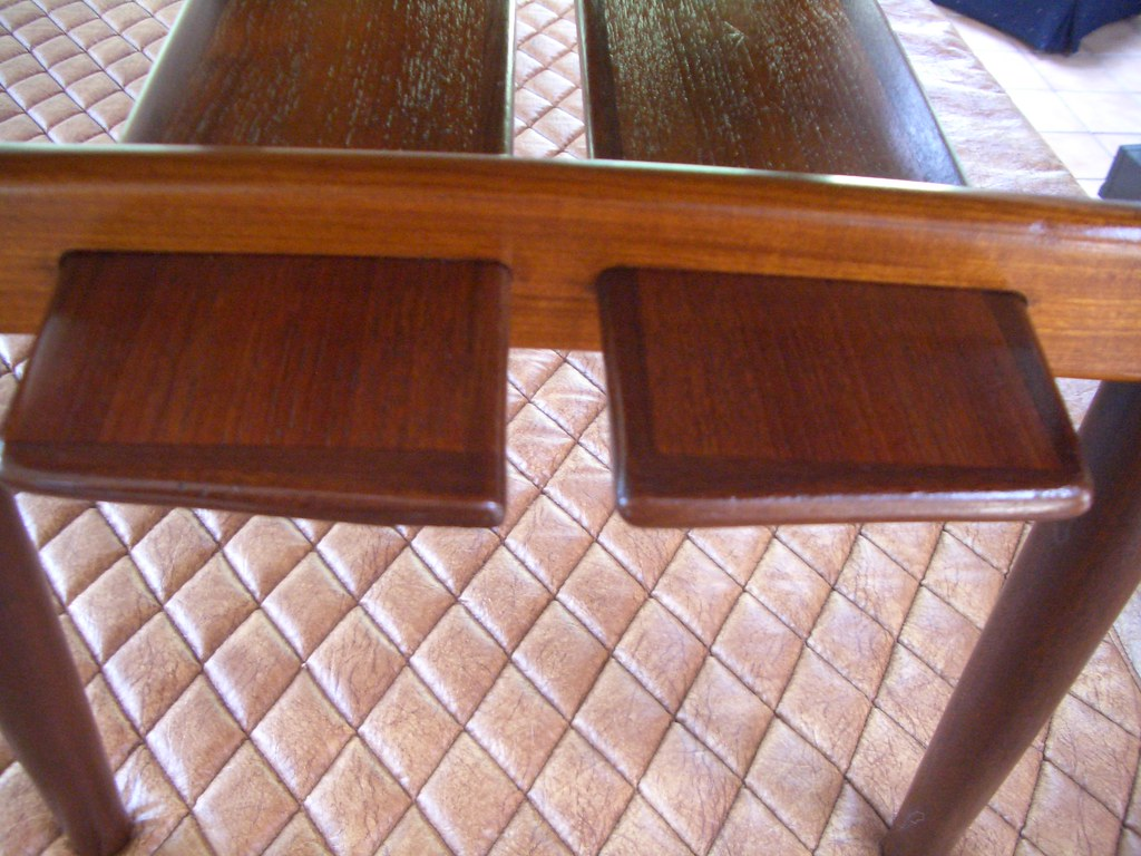 Danish modern end/side table