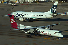 N402QX with Alaska 734 (ChasenSFO) Tags: sfo horizon qx bombardier sanfranciscointernationalairport ksfo sanfranciscoairport q400 horizonair dash8400 qxe sfia