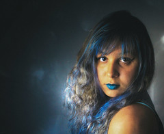 Blue. (TheJennire) Tags: camera blue light portrait people texture luz me girl face look self canon hair cores nose photography photo eyes olhar colours foto shine darkness young makeup olhos colores lips teen ojos cheeks 365 fotografia bangs mirada curlyhair bluehair camara cabelo pelo cabello 365days tumblr