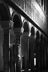 Tres reyes (Herminio.) Tags: iglesia mosaico columna arco arc column church italia italy