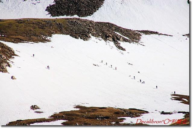 不是滑雪人,是登山客!