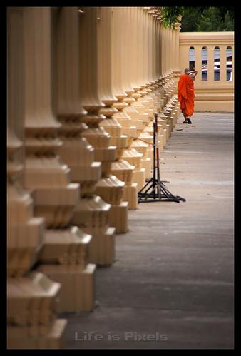 Pra Patom Chetiya Temple by lifeispixels.com
