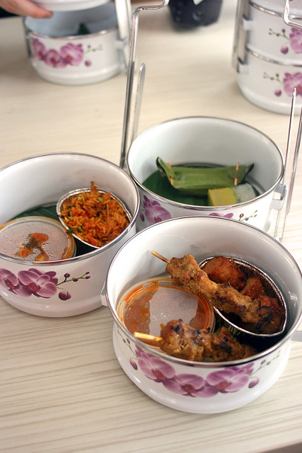 Chinese, Malay, Indian and Peranakan food all represented on the Tiffin Cruise
