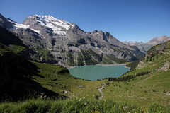 Doldenhorn (BE - 3`638m) und Lohner und Oeschinensee ( BE - 1`578m => Bergsee - See - Lac - Lake ) ob Kandersteg im Kanton Bern in der Schweiz (chrchr_75) Tags: lake alps nature landscape lago schweiz switzerland see suisse hiking swiss natur lac berge kandersteg bern juli alpen christoph svizzera bergsee landschaft berne wandern berner berna 1107 wanderung hohtrli jrvi  suissa oeschinensee 2011 s kanton chrigu wanderwege kantonbern brn alpensee chrchr hurni seeli chrchr75 chriguhurni woche26 monains bergseeli woche1126 albumbergseenimkantonbern