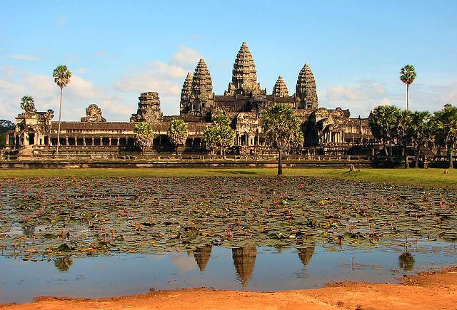 800px-Angkor_Wat