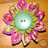 Psicodelia (Trapinhos_Vzla) Tags: flower broche flor tela prendedor kanzashi fabricpin