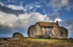 The Flinstones house in Portugal. (Alex Matos) Tags: portugal rockhouse fafe flinstones casadepedra ilustrarportugal srieouro