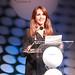 jornalista Lucila Pinto faz a mediação de talk show com Ram Charam