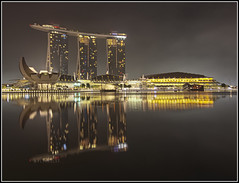 MARINA BAY SANDS (WNDLST) Tags: architecture night reflections singapore nightlights hotels hdr casinos marinabay centralsingapore graphicarchitecture marinabayreservoir marinabayhotelandcasino