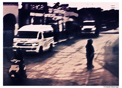 The only unreality / La única irrealidad (Claudio.Ar) Tags: city people woman blur men cars buildings mexico topf50 sony playadelcarmen ciudad moto hurry dsc quintanaroo urbex h9 claudioar claudiomufarrege saariysqualitypictures
