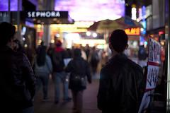 NY Trip 2014 (Raf Ferreira) Tags: street new york city nyc urban usa ny canon photography eos focus dof bokeh united 55mm eua rua states manual 12 rafael fotografia 58mm len zuiko lenses f12 ferreira peixoto rokkor